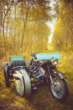 sesja_slubna_na_motocyklu_w_lesie_Poznan_fotograf_TiAmoFoto (1)