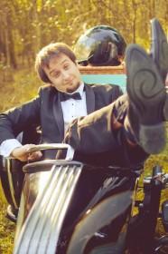 sesja_slubna_na_motocyklu_w_lesie_Poznan_fotograf_TiAmoFoto (29)