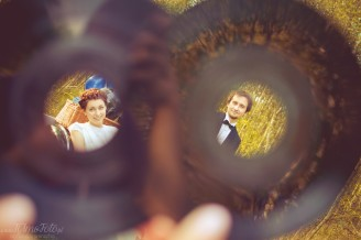 sesja_slubna_na_motocyklu_w_lesie_Poznan_fotograf_TiAmoFoto (45)
