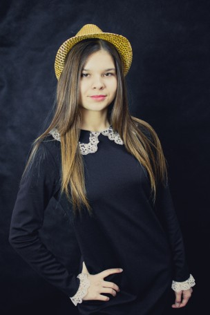 sesja-sylwester-nastolatka-przebierance-studio-TiAmoFoto (16)