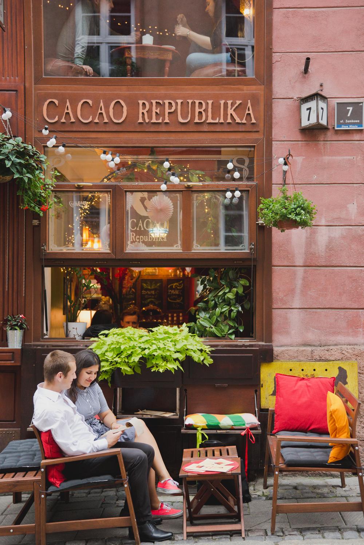 sesja-narzeczenska-poznan-ckzamek-cacaorepublika-kawiarnia (19)