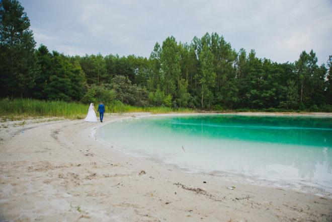 sesja-slubna-jezioro-lazurowe-turkusowe-konin-fotograf-Poznan-TiAmoFoto (24)