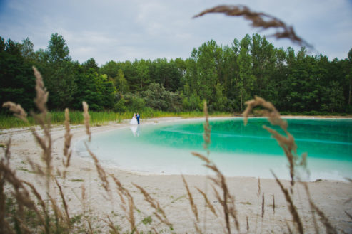 sesja-slubna-jezioro-lazurowe-turkusowe-konin-fotograf-Poznan-TiAmoFoto (25)