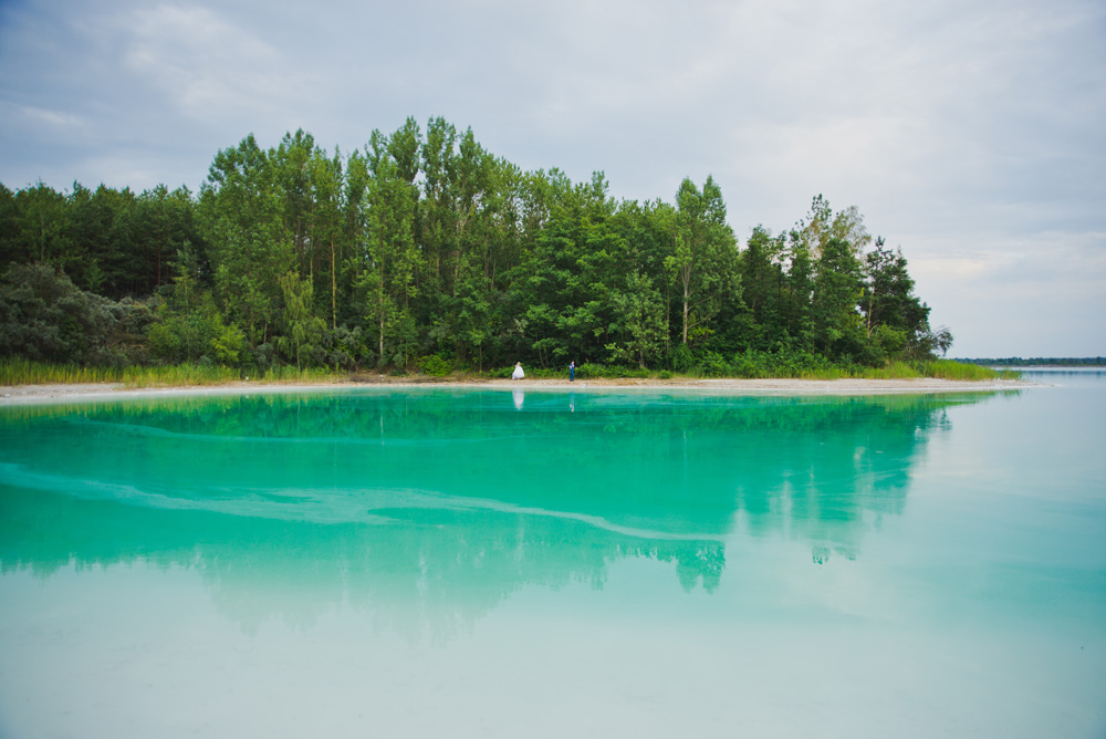 sesja slubna jezioro lazurowe turkusowe konin fotograf Poznan TiAmoFoto 29 - Sesja ślubna