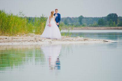 sesja-slubna-jezioro-lazurowe-turkusowe-konin-fotograf-Poznan-TiAmoFoto (31)