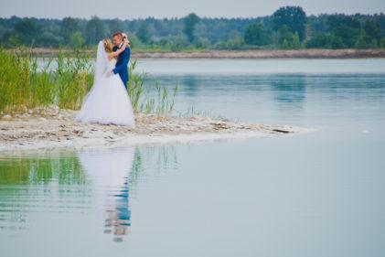sesja-slubna-jezioro-lazurowe-turkusowe-konin-fotograf-Poznan-TiAmoFoto (32)