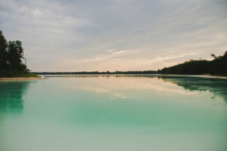 sesja-slubna-jezioro-lazurowe-turkusowe-konin-fotograf-Poznan-TiAmoFoto (35)