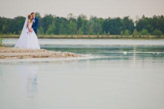 sesja-slubna-jezioro-lazurowe-turkusowe-konin-fotograf-Poznan-TiAmoFoto (36)