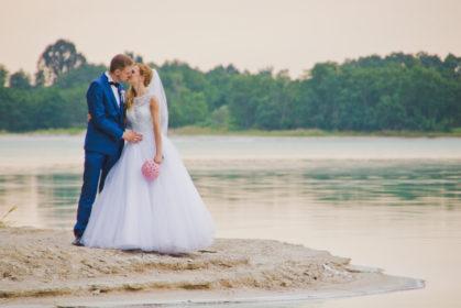 sesja-slubna-jezioro-lazurowe-turkusowe-konin-fotograf-Poznan-TiAmoFoto (39)