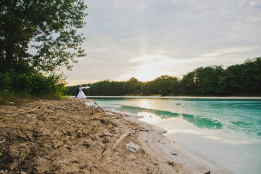 sesja-slubna-jezioro-lazurowe-turkusowe-konin-fotograf-Poznan-TiAmoFoto (46)