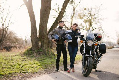 sesja-narzeczenska-na-motocyklu-poznan-TiAmoFoto (19)