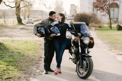 sesja-narzeczenska-na-motocyklu-poznan-TiAmoFoto (36)