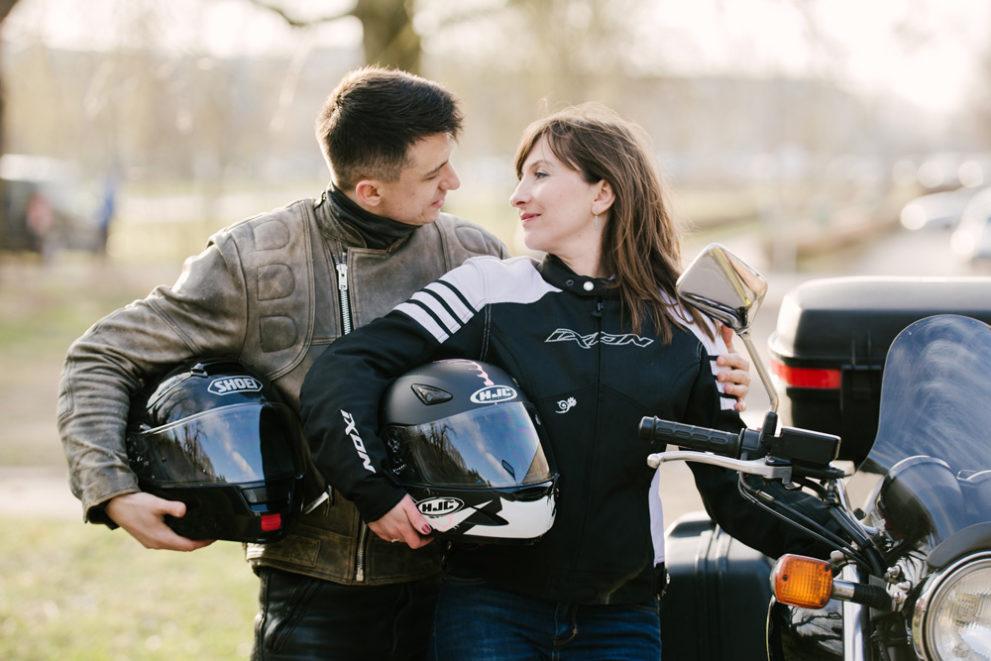 sesja-narzeczenska-na-motocyklu-poznan-TiAmoFoto (38)