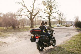 sesja-narzeczenska-na-motocyklu-poznan-TiAmoFoto (4)
