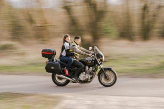 sesja-narzeczenska-na-motocyklu-poznan-TiAmoFoto (5)