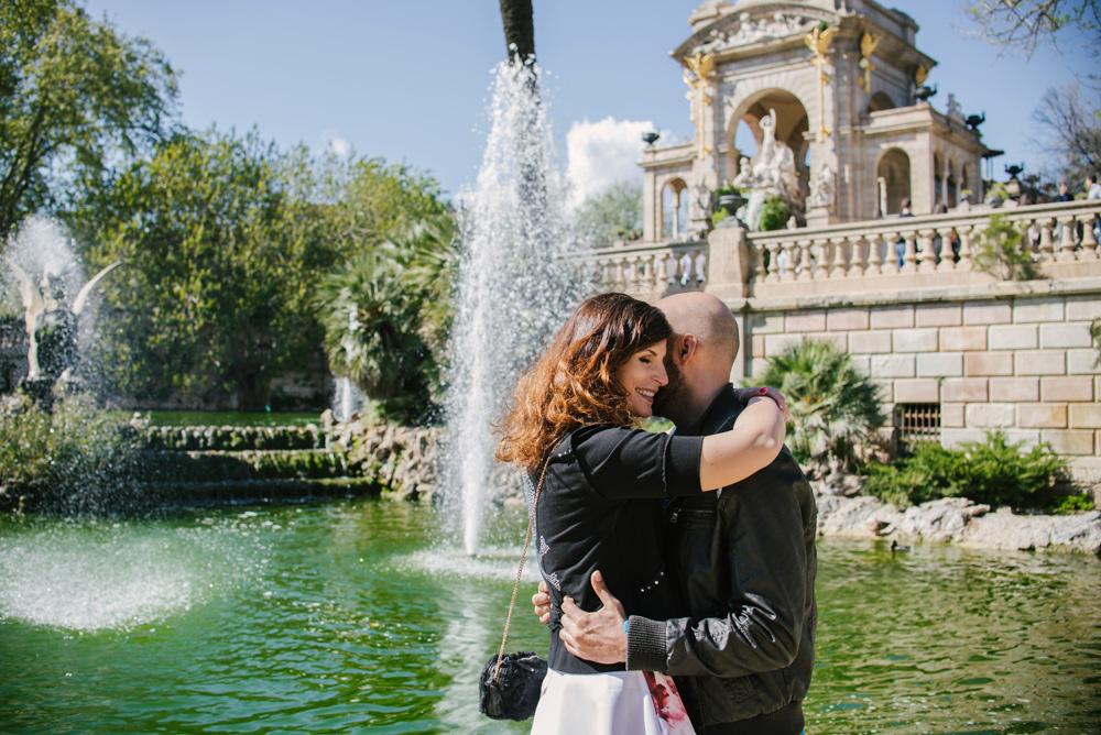 Barcelona-sesja-zdjeciowa-narzeczenska-park-ciutadella-TiAmoFoto (37)