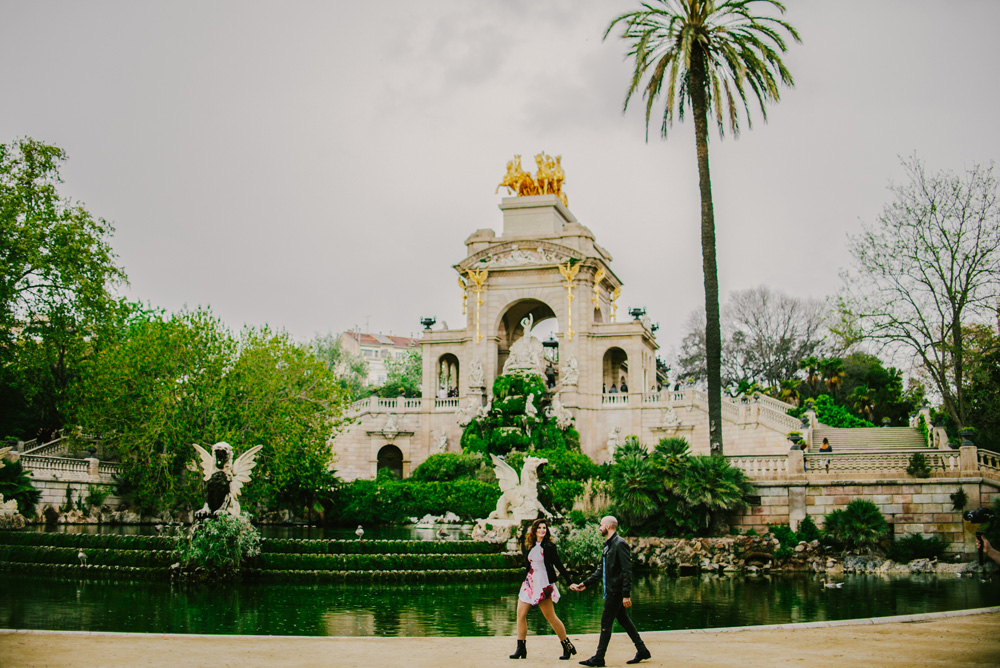 Barcelona-sesja-zdjeciowa-narzeczenska-park-ciutadella-TiAmoFoto (63)