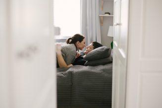 intymna-sesja-narzeczenska-w-mieszkaniu-dom-TiAmoFoto (32)