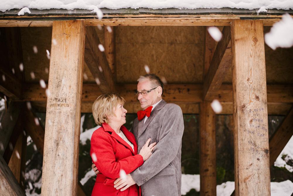 sesja-45-rocznica-slubu-zima-gory-snieg-czerwone-detale-TiAmoFoto (39)