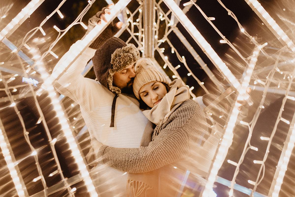 romantyczna zimowa jesienna sesja zdjeciowa Poznan bokeh TiAmoFoto - Romantyczna zimowa sesja w Poznaniu