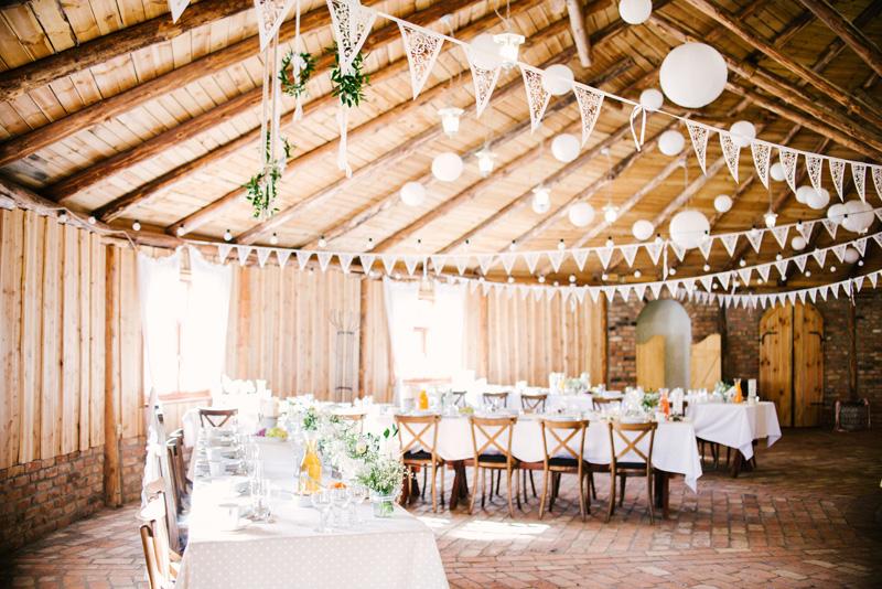 piękne miejsca na ślub plenerowy w wielkopolsce, ranczo w dolinie