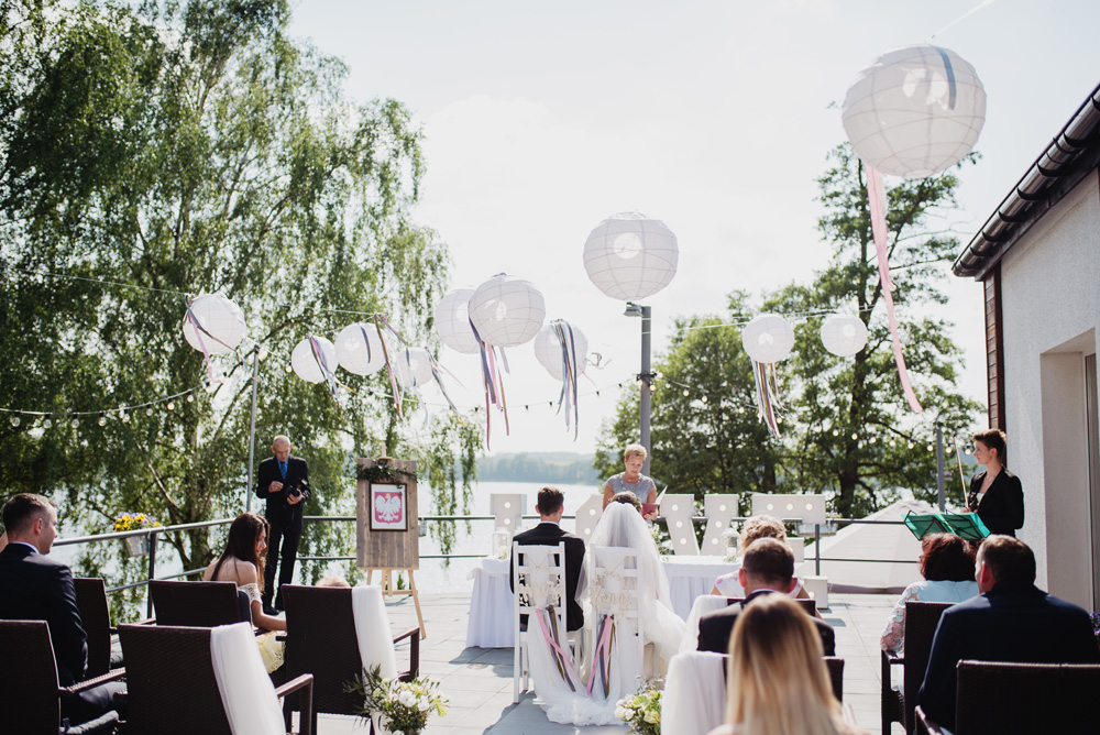 piękne miejsca na ślub plenerowy w wielkopolsce, sieraków, restauracja słoneczna