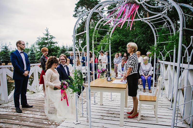 piękne miejsca na ślub plenerowy w wielkopolsce, skaczący młyn