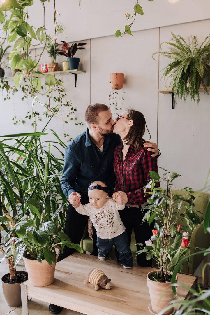 sesja rodzinna lifestyle kawiarnia Poznan TiAmoFoto 23 721x1080 - Lifestylowa sesja rodzinna w kawiarni
