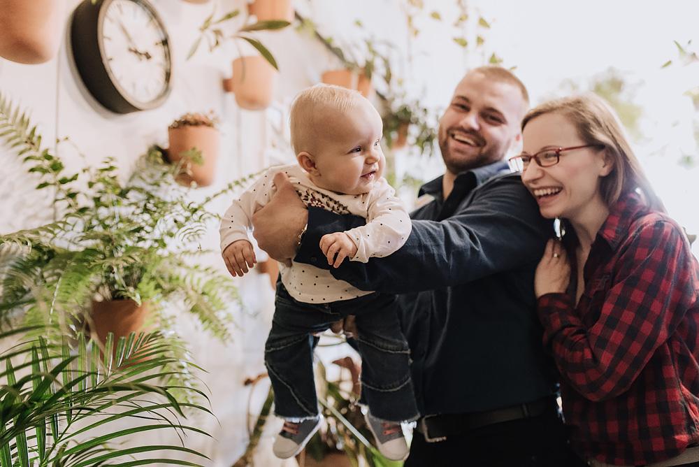 sesja rodzinna lifestyle kawiarnia Poznan TiAmoFoto 29 - Lifestylowa sesja rodzinna w kawiarni
