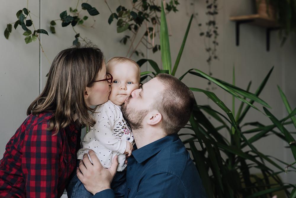 sesja rodzinna lifestyle kawiarnia Poznan TiAmoFoto 30 - Lifestylowa sesja rodzinna w kawiarni