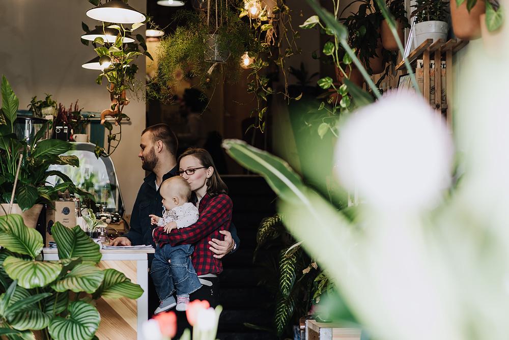sesja rodzinna lifestyle kawiarnia Poznan TiAmoFoto 36 - Lifestylowa sesja rodzinna w kawiarni
