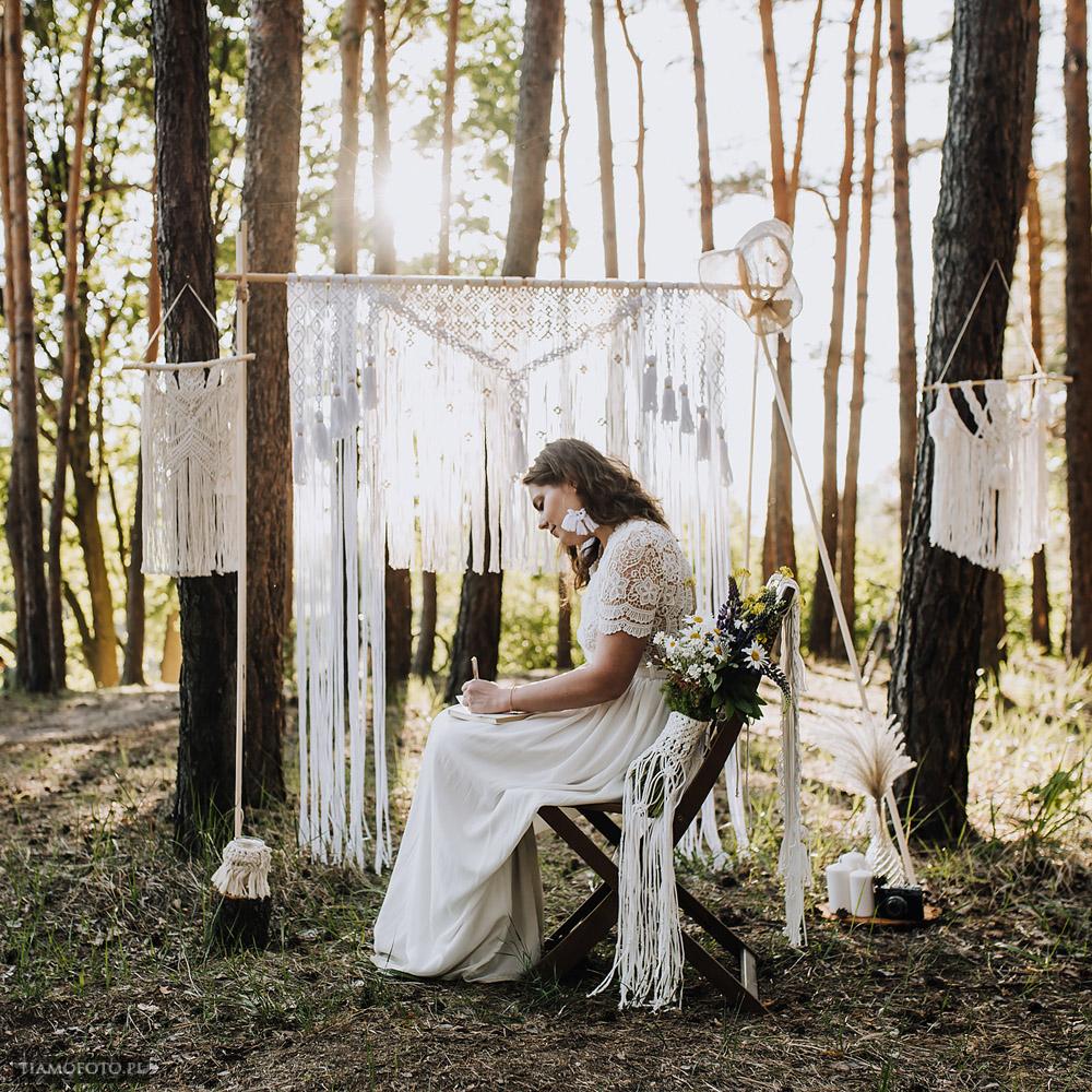 sesja slubna boho diy makrama fotograf Poznan TiAmoFoto 19 - DIY BOHO - sesja ślubna z makramą w tle