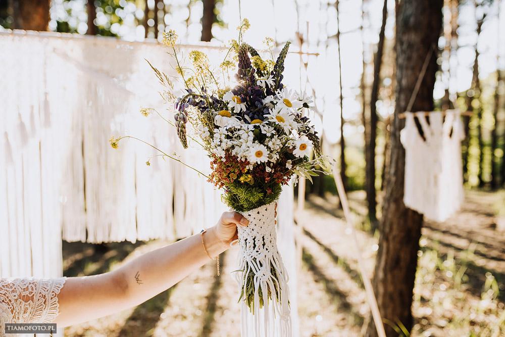 sesja slubna boho diy makrama fotograf Poznan TiAmoFoto 30 - DIY BOHO - sesja ślubna z makramą w tle