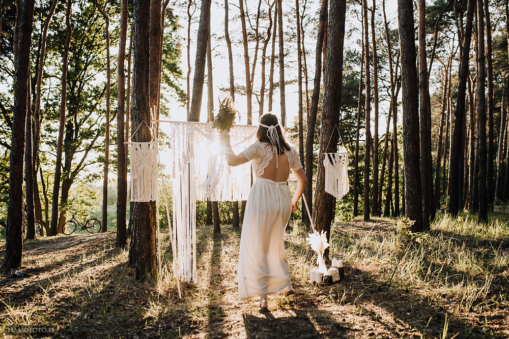 sesja slubna boho diy makrama fotograf Poznan TiAmoFoto 33 - DIY BOHO - sesja ślubna z makramą w tle