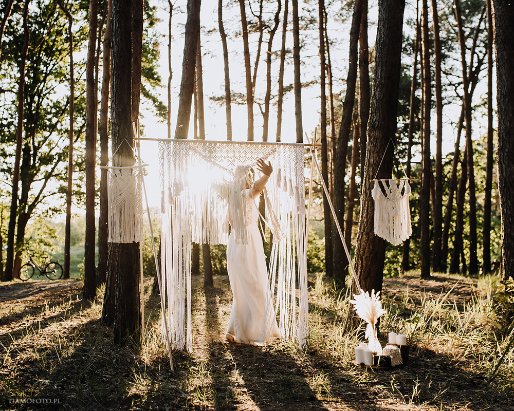 sesja slubna boho diy makrama fotograf Poznan TiAmoFoto 35 - DIY BOHO - sesja ślubna z makramą w tle
