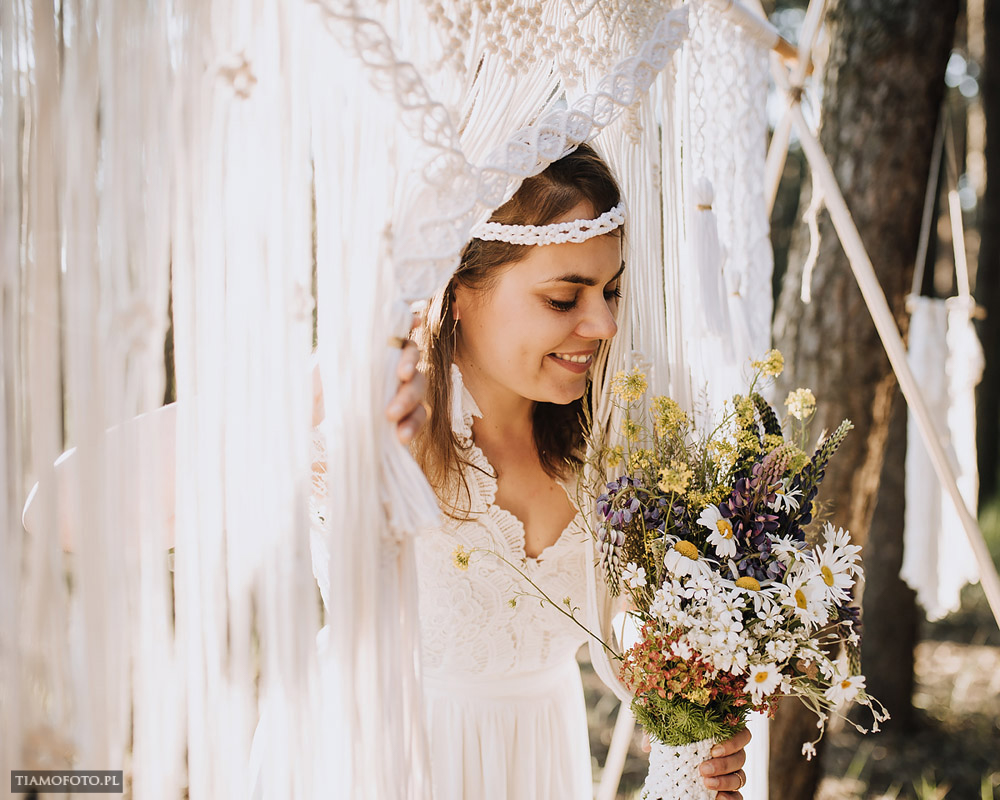 sesja slubna boho diy makrama fotograf Poznan TiAmoFoto 9 - DIY BOHO - sesja ślubna z makramą w tle