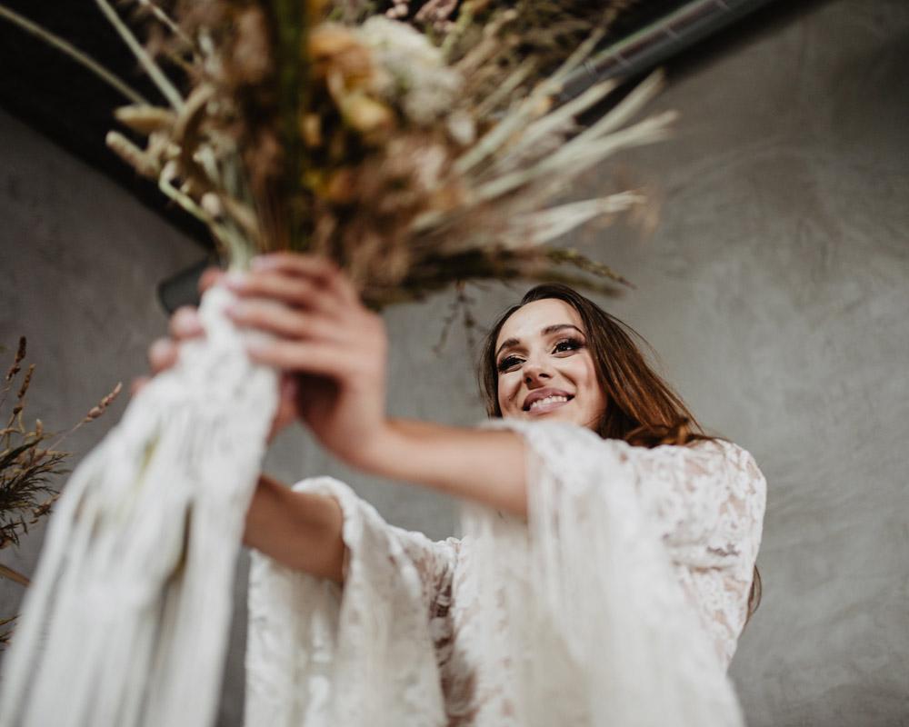 sesja slubna boho slub humanistyczny fotograf poznan TiAmoFoto 13 1 - Sesja ślubna w stylu boho
