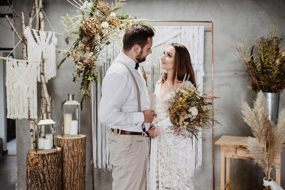 sesja slubna boho slub humanistyczny fotograf poznan TiAmoFoto 50 1 - Sesja ślubna w stylu boho