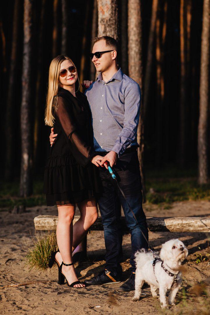 JT sesja narzeczenska las jezioro pies maltanczyk Poznan TiAmoFoto 28 721x1080 - Joanna i Tomasz