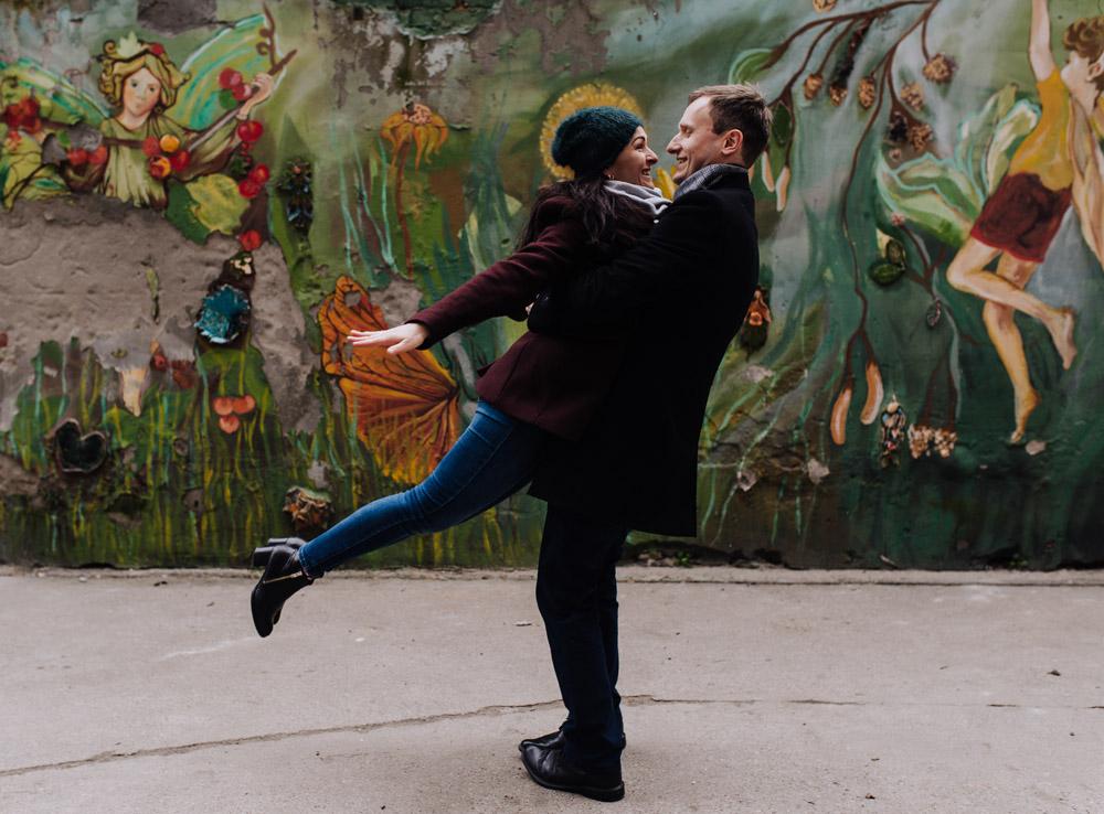 sesja zdjeciowa kolorowepodworka wroclaw TiAmoFotoPL 34 1 - Sesja Narzeczeńska na Kolorowych Podwórkach We Wrocławiu | W&T