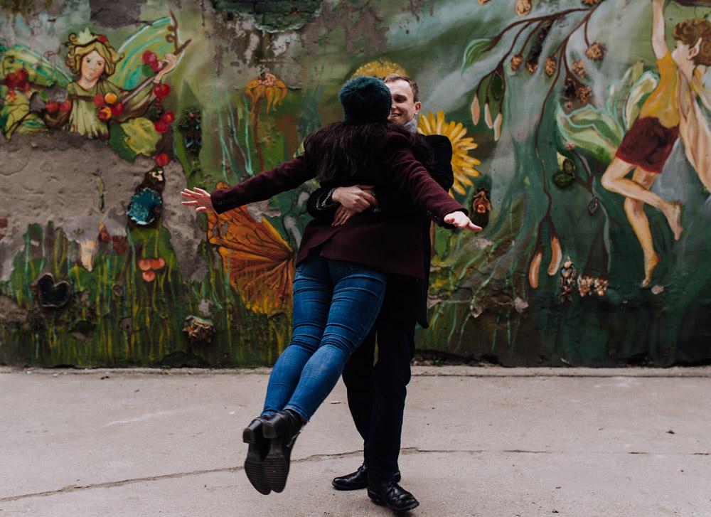 sesja zdjeciowa kolorowepodworka wroclaw TiAmoFotoPL 35 1 - Sesja Narzeczeńska na Kolorowych Podwórkach We Wrocławiu | W&T