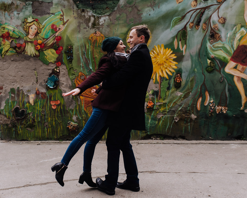 sesja zdjeciowa kolorowepodworka wroclaw TiAmoFotoPL 36 1 - Sesja Narzeczeńska na Kolorowych Podwórkach We Wrocławiu | W&T