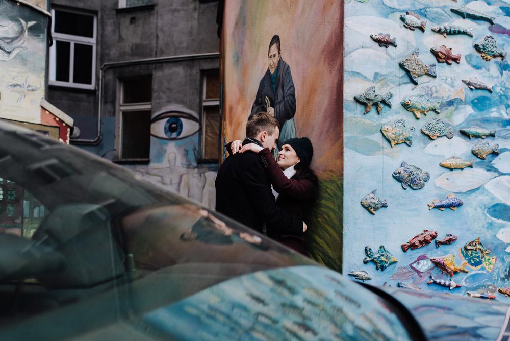 sesja zdjeciowa kolorowepodworka wroclaw TiAmoFotoPL 51 1 - Sesja Narzeczeńska na Kolorowych Podwórkach We Wrocławiu | W&T