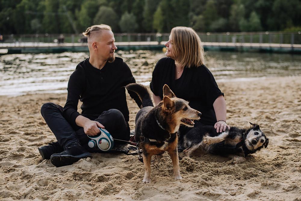 sesja rodzinna z psami nad jeziorem fotografPoznan TiAmoFoto 10 - Sesja rodzinna z Psami