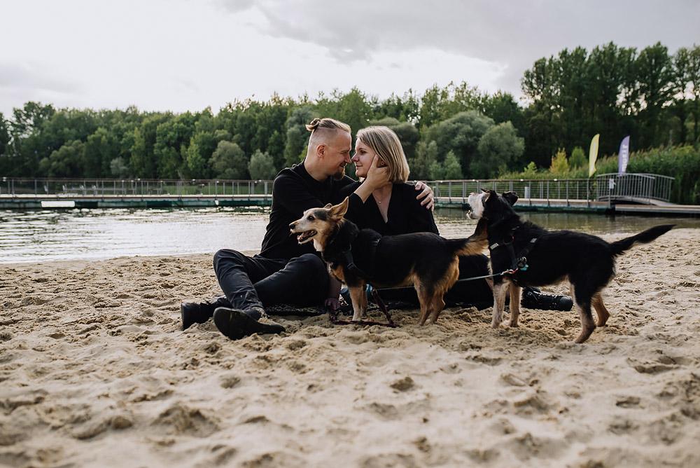sesja rodzinna z psami nad jeziorem fotografPoznan TiAmoFoto 11 - Sesja rodzinna z Psami