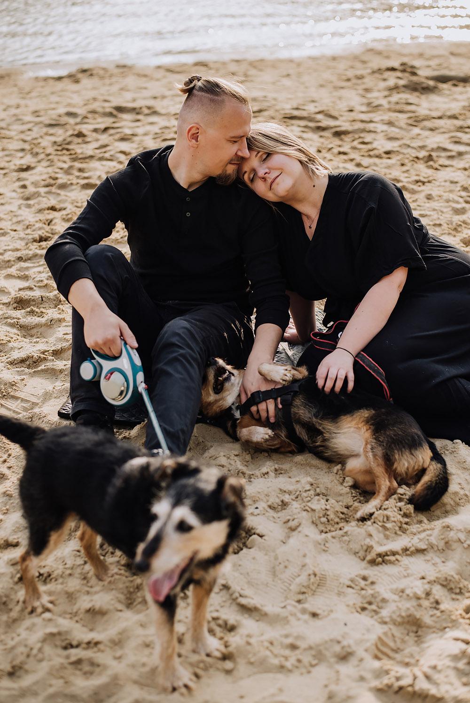 sesja rodzinna z psami nad jeziorem fotografPoznan TiAmoFoto 5 - Sesja rodzinna z Psami