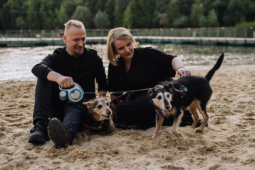 sesja rodzinna z psami nad jeziorem fotografPoznan TiAmoFoto 7 - Sesja rodzinna z Psami