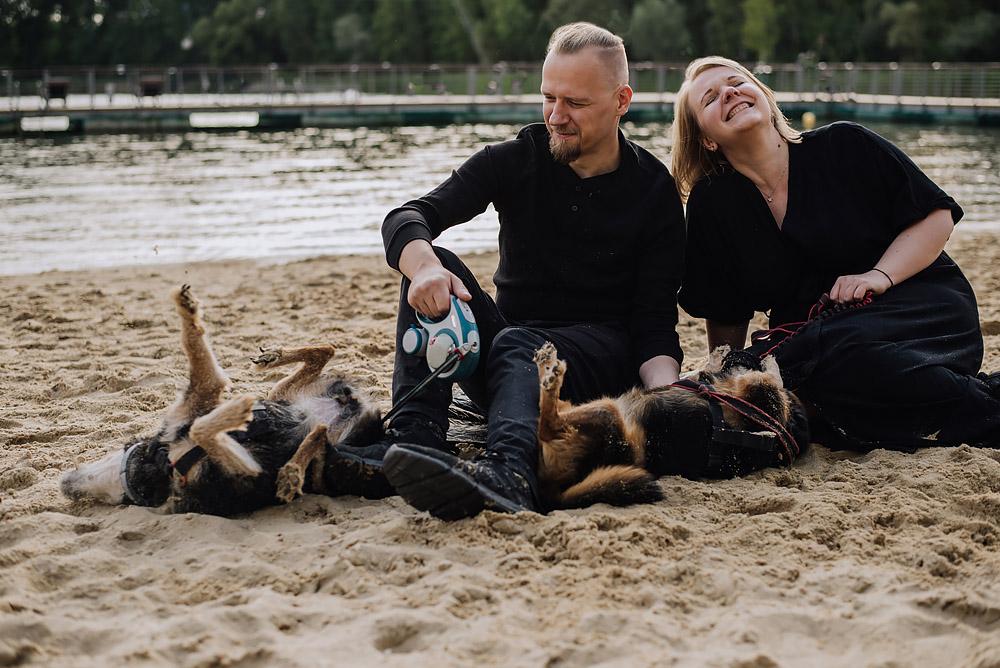 sesja rodzinna z psami nad jeziorem fotografPoznan TiAmoFoto 9 - Sesja rodzinna z Psami